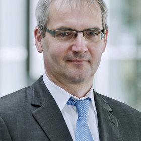 Portrait von Dr. Thieß Petersen