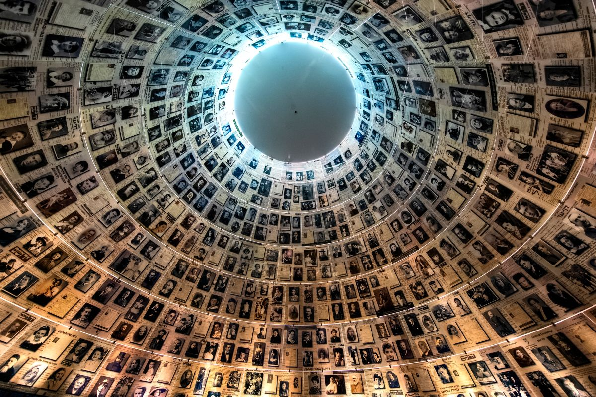 Erinnerungshalle in Yad Vashem Foto: Shutterstock, paparazzza